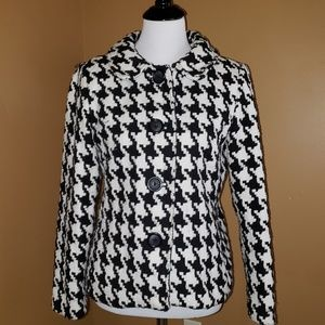 Briggs sz 8 black&white 4 button jacket
